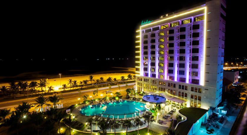 khách sạn tiêu chuẩn 4 sao gần biển