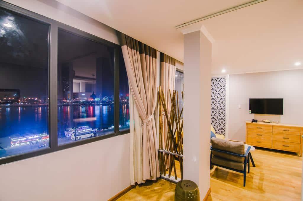 khách sạn 3 sao view xem pháo hoa đà nẵng