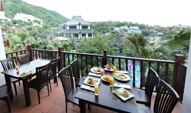 Ăn Uống Tại Núi Thần Tài Đà Nẵng