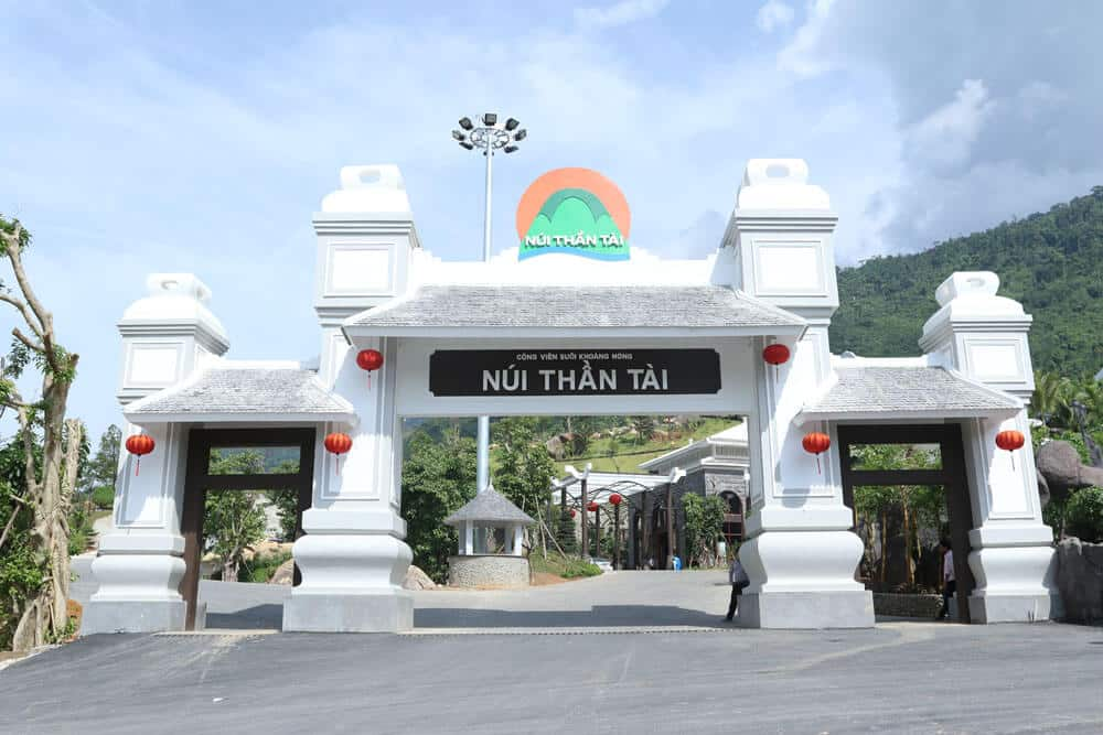 Giá Vé Tại Núi Thần Tài Đà Nẵng.
