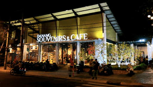 Quán Cafe Gần Cầu Tình Yêu Đà Nẵng hot