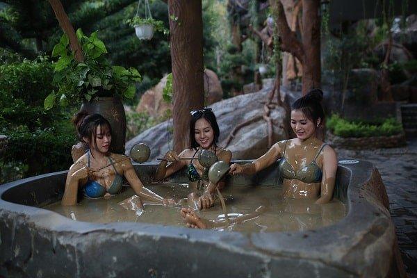 Tắm bùn khoáng tại Đà Nẵng