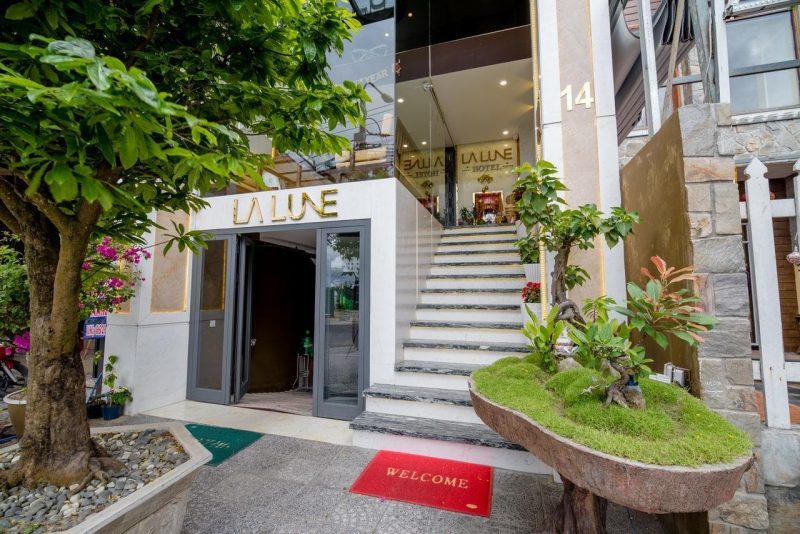 Khách Sạn 2 Sao Gần Biển Đà Nẵng - Khách Sạn La Lune Hotel Đà Nẵng