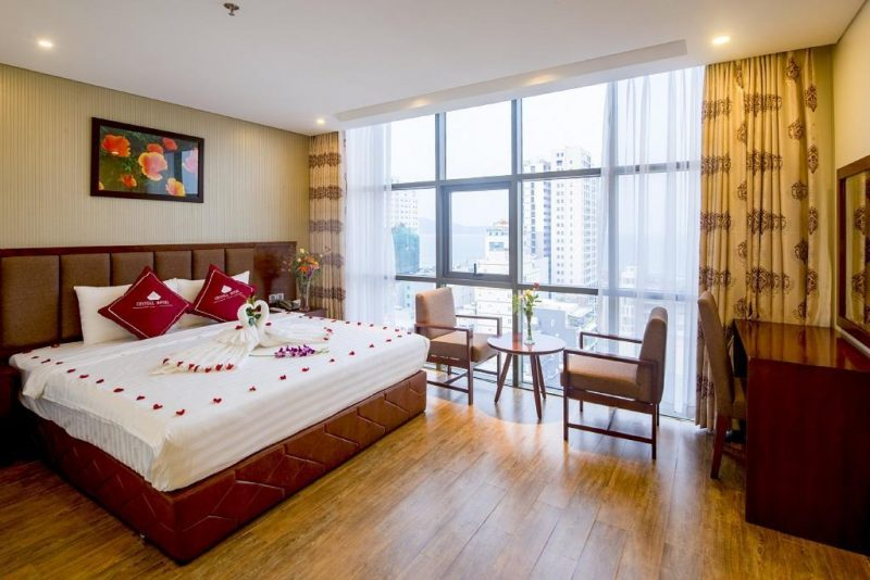khách sạn Đà Nẵng gần biển có hồ bơi-khách sạn Crystal Đà Nẵng