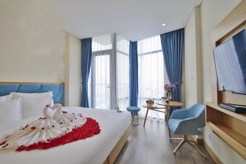 Khách Sạn Xem Pháo Hoa gần biển - Khách Sạn San Marino Boutique