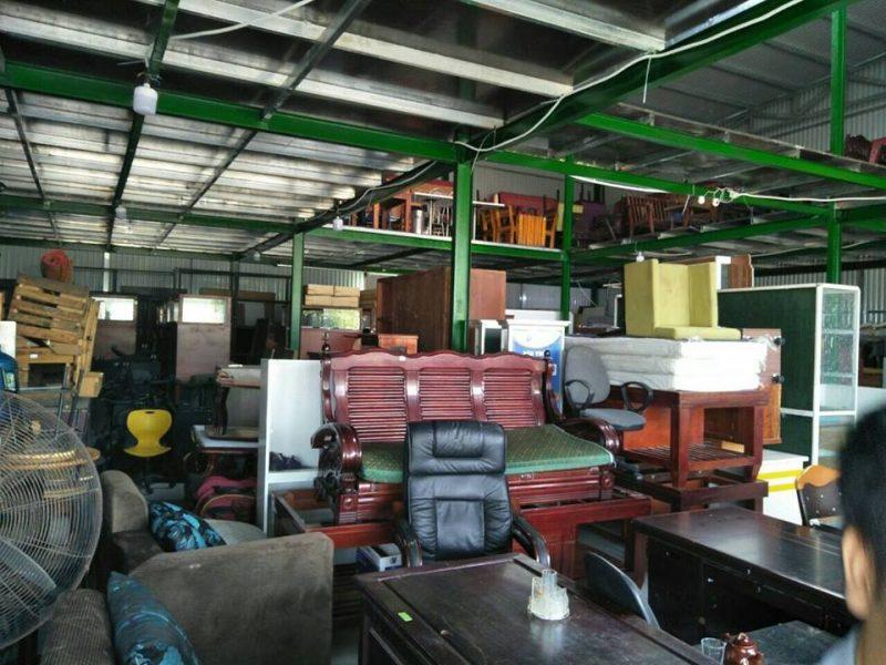 Khu hàng của thế giới đồ cũ Đà Nẵng