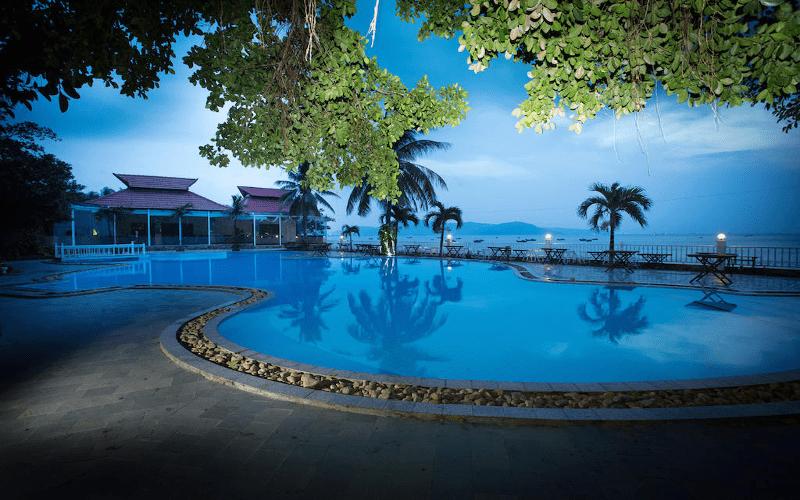 khách sạn 4 sao Quy Nhơn