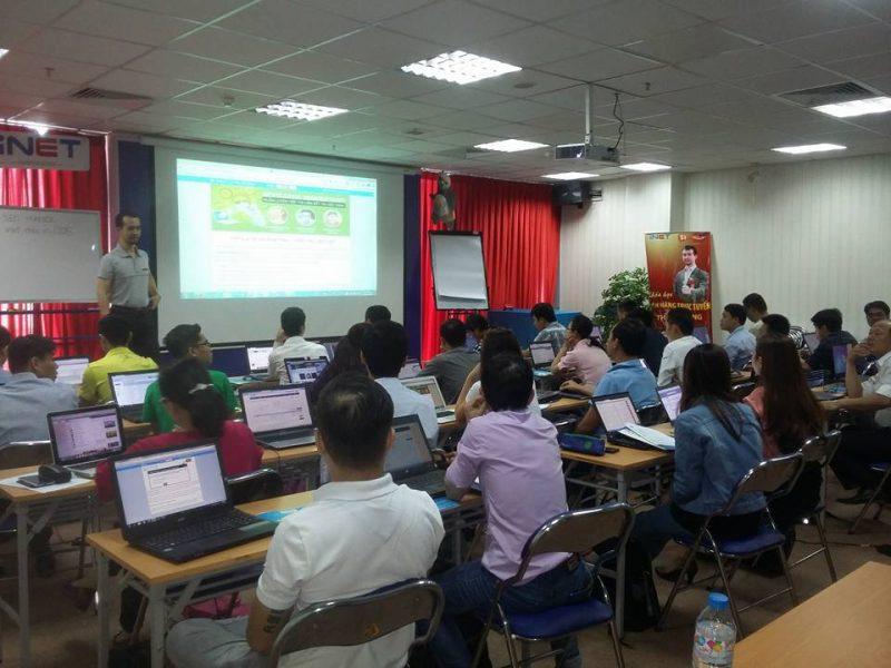 trung tâm marketing online