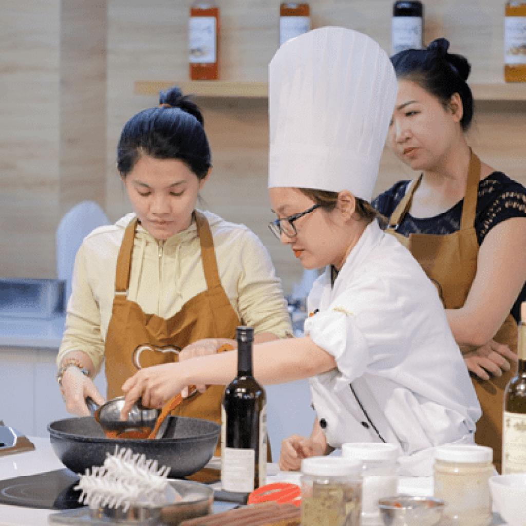 Học đầu bếp tại Hà Nội