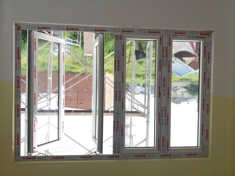 Cửa sổ nhôm kính mở quay 2 cánh